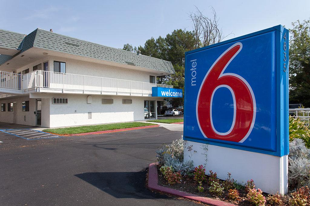 Motel 6 Davis
