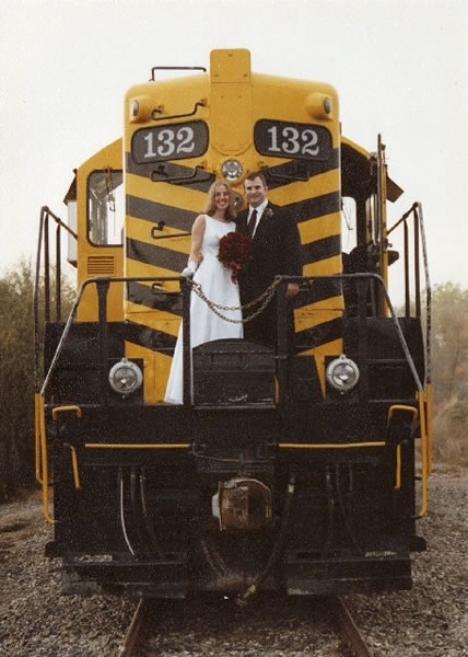 sm_bride_and_groom_engine